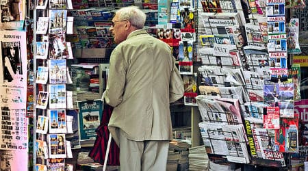 newsagent's_shop,_Paris_September_2011