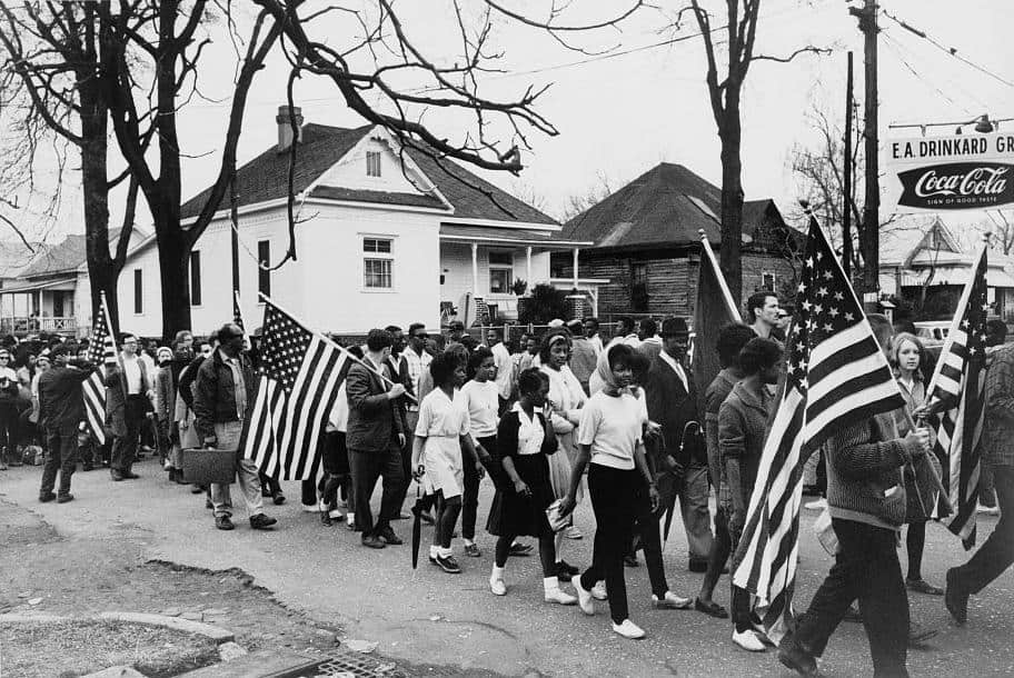 Civil rights campaigners marching in Alabama in the summer of 1964. (Source: Wikimedia Commons / public domain)