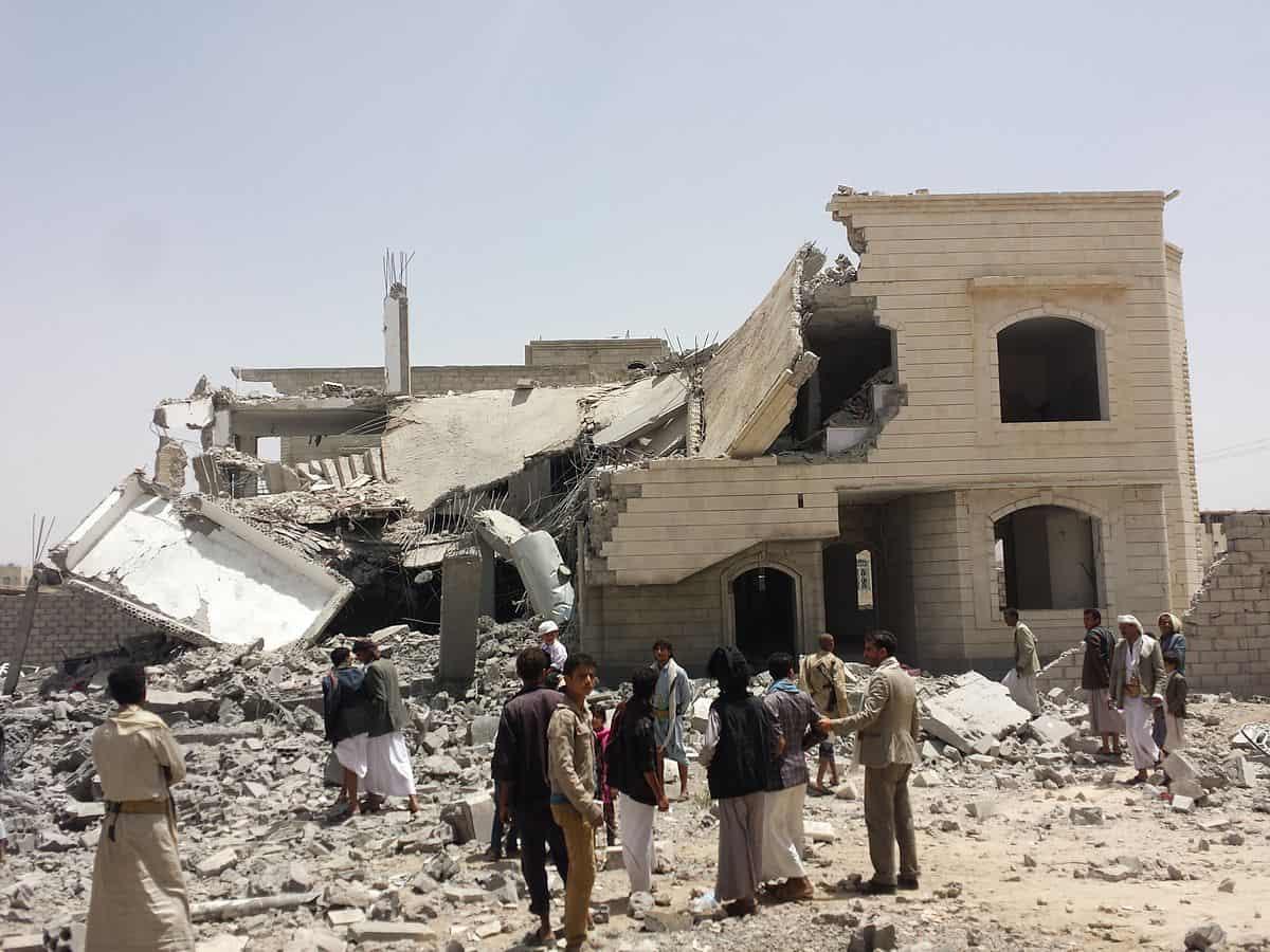 Saudi-led air strike on Sana'a, 12 June 2015. (photo by Ibrahem Qasim - Licensed under CC BY-SA 4.0 via wikimedia.org)