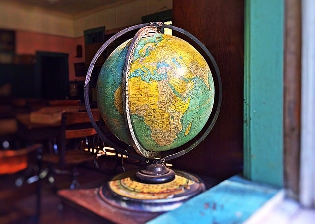 globe-967304_640