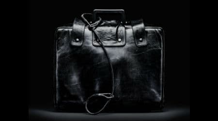 Briefcase used by the President of the United States to authorize a nuclear attack while away from fixed command centers. Photo: Smithsonian Institute (photographer Jamie Chung) - Smithsonian Institute Magazine, Public Domain